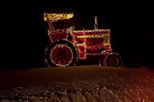 Holiday Lighted Tractor Photo 2