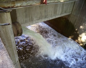Water spills from Delaware Canal aqueduct to Ingham Creek below.