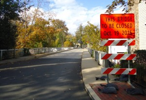 Construction sign at Stockton Avenue bridge